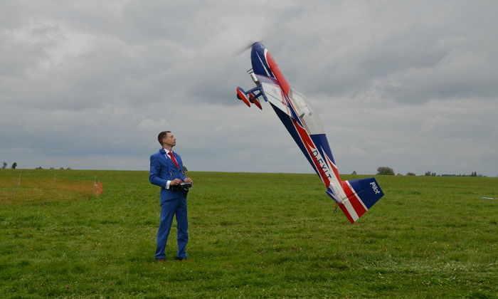 А мне летать охота: гоночные дроны и авиамодели на «Аэронет-2016»