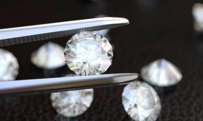 Ядерные отходы превратили в алмазные батарейки