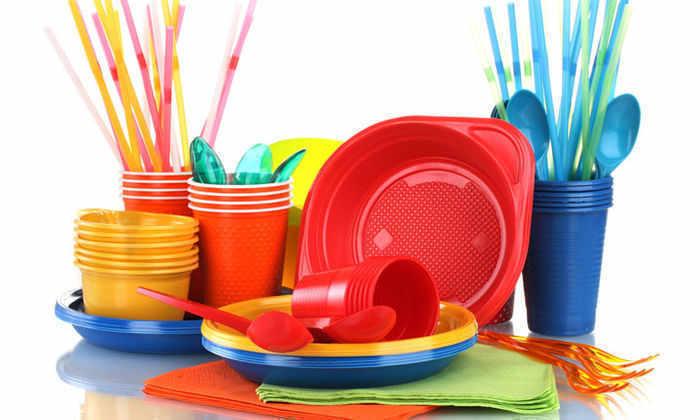 Франция стала первой страной, запретившей пластиковую посуду
