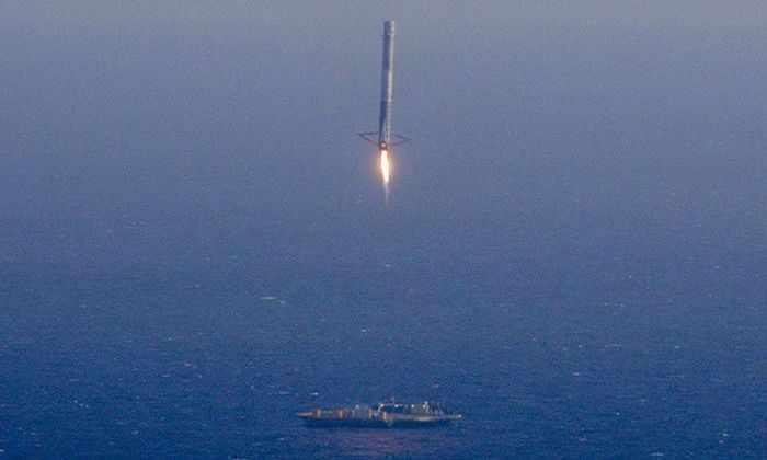Дракон на ястребе: SpaceX снова попытается приводнить первую ступень. Live