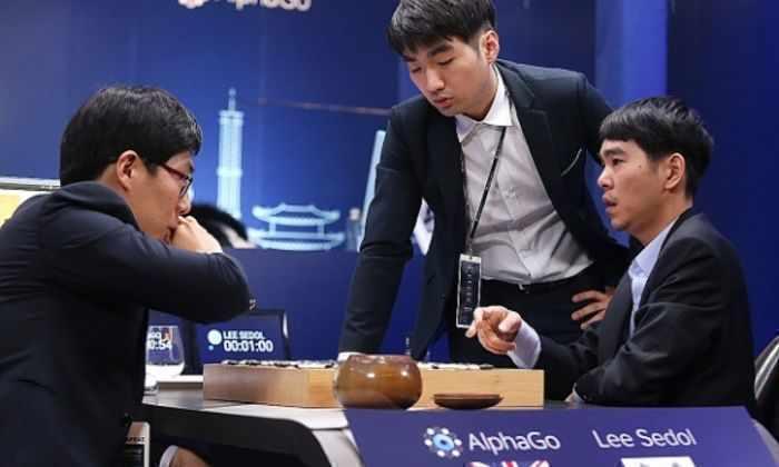 За два хода AlphaGo и Ли Седоль изменили возможное будущее