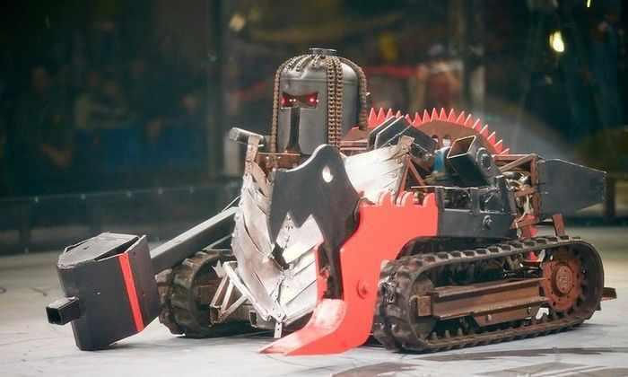 В Москве роботы устроили бой без правил