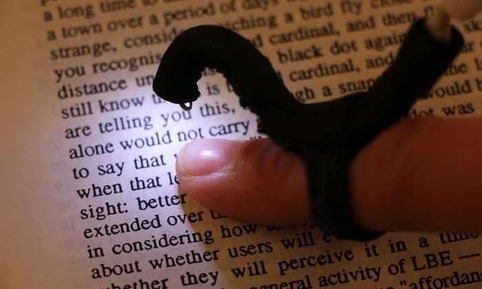 Разработано устройство, позволяющее слепым читать обычные книги