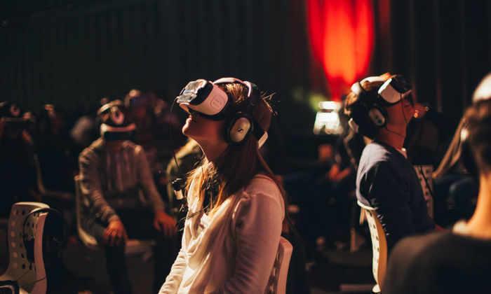Сыграть в кино: как выглядят первые в России VR-кинотеатры