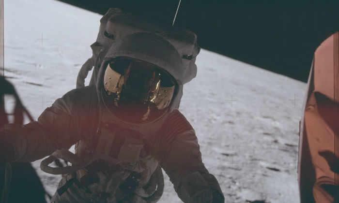 Зачем людям нужна Луна