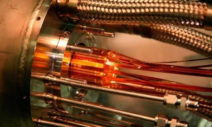 В CERN впервые измерили световой спектр атома антиматерии