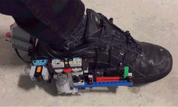 Сэкономить $700: воссоздать ботинки с автошнуровкой из «Назад в будущее» с помощью Lego