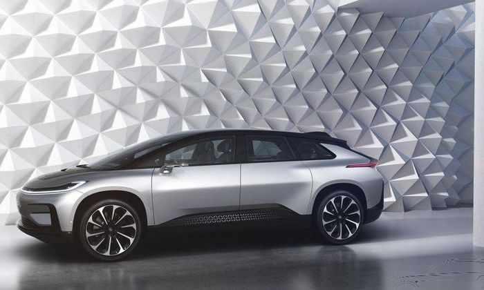 Конкурент Tesla облажался на презентации нового автомобиля