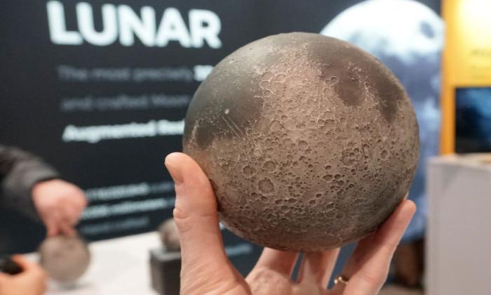 Создана точная копия Луны, позволяющая совершить экскурсию по спутнику в AR