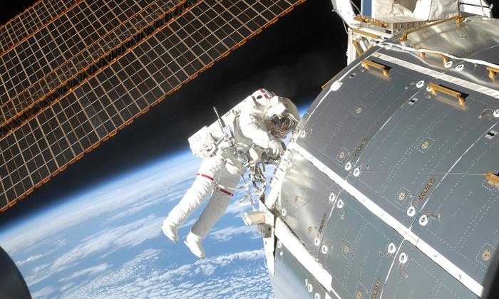 Экипаж МКС экстренно выйдет в открытый космос для замены компьютера
