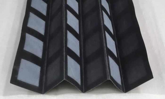 Разработаны складные батарейки, которые питаются бактериями из сточных вод