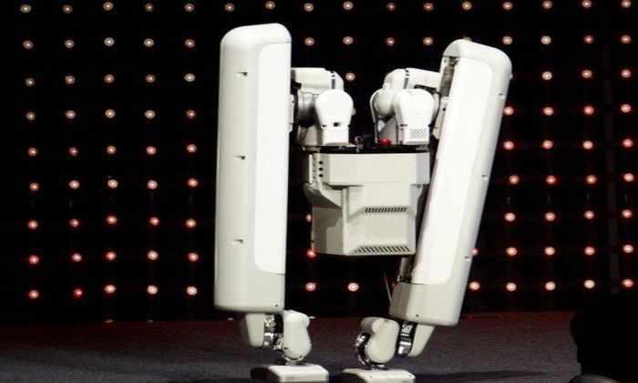 Google представил в Токио нового человекоподобного двуногого робота