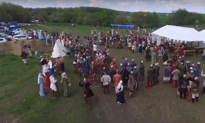 Видео: древнерусский витязь сбил беспилотник копьем