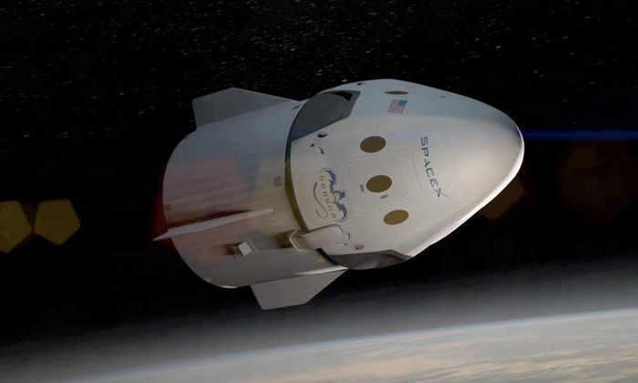 SpaceX перенесла запуск пилотируемого корабля на 2018 год