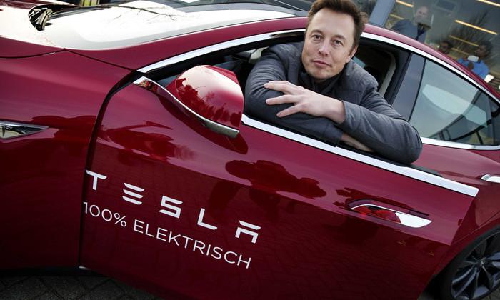 Илон Маск анонсировал выход первого грузовика Tesla в сентябре