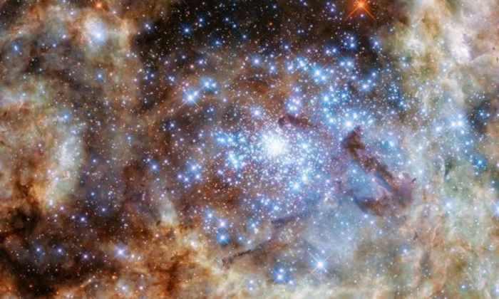 Телескоп Хаббл обнаружил звездную «землю гигантов»