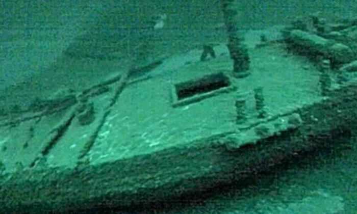 Пенсионеры нашли 200-летний затонувший корабль на дне озера Онтарио