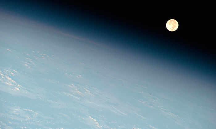 Роскосмос отложил первый пилотируемый полет на Луну на 5 лет