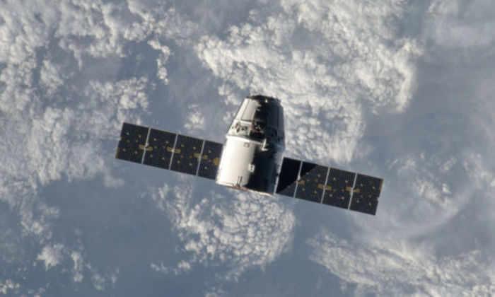 Челнок Dragon корпорации SpaceX благополучно вернулся на Землю