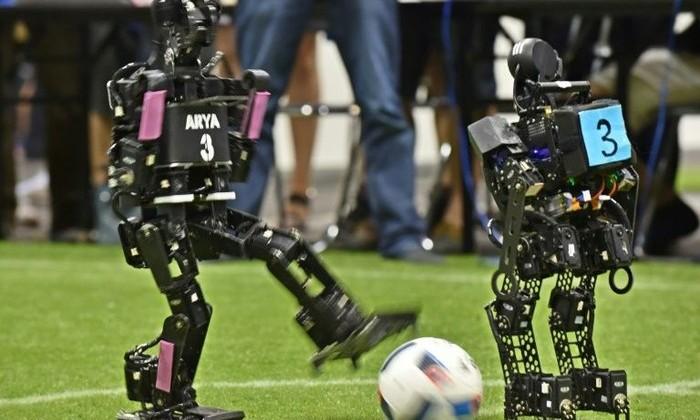 Франция vs Китай: в Японии завершился чемпионат роботов по футболу