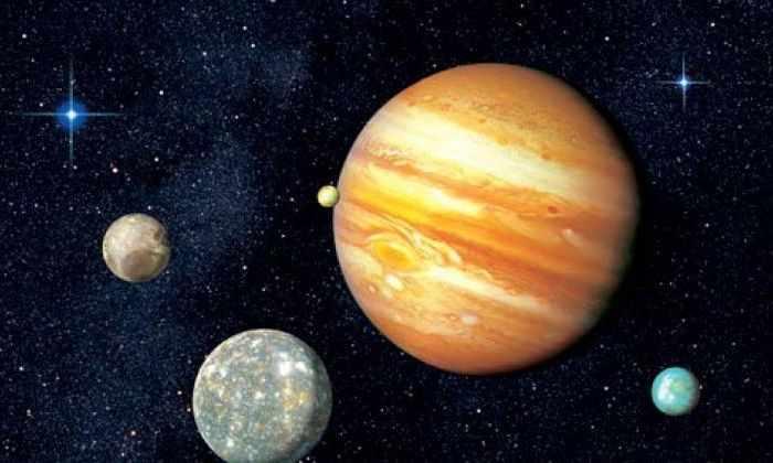 «Юнона» выдержала радиацию Юпитера и сделала его первый снимок