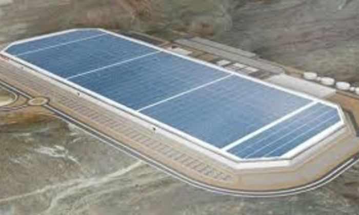В сети появились первые кадры с Tesla's Gigafactory Илона Маска
