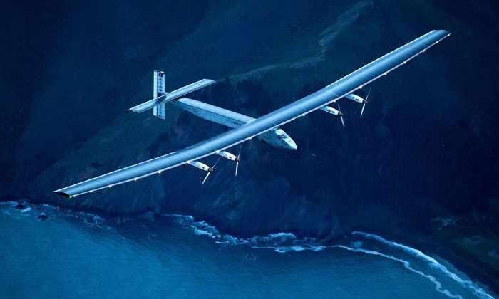 Впервые в истории самолет на солнечных батареях совершил кругосветное путешествие