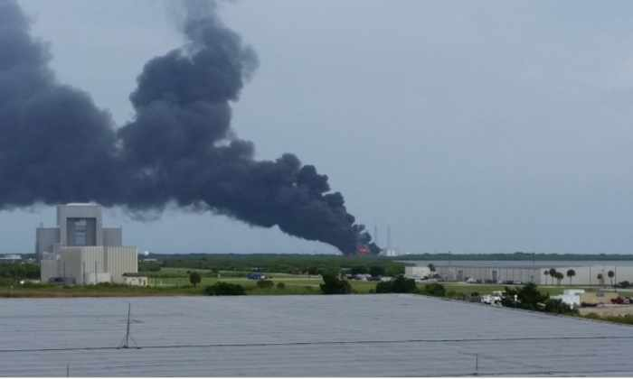 На стартовой площадке SpaceX произошла серия взрывов ракеты Falcon-9
