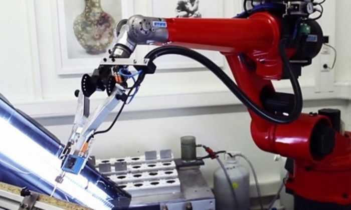 Видео: робот-художник сделает точные копии известных живописцев