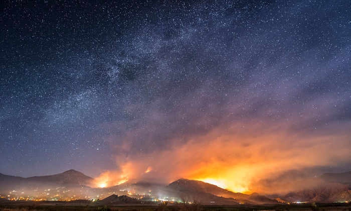 Видео: пугающая красота диких лесных пожаров в Калифорнии