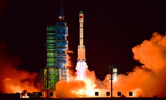 Первый космический грузовик Китая состыковался с лабораторией на орбите
