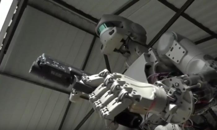 Российский робот-космонавт Федор взбудоражил Запад