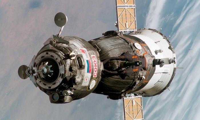 Космический грузовой корабль