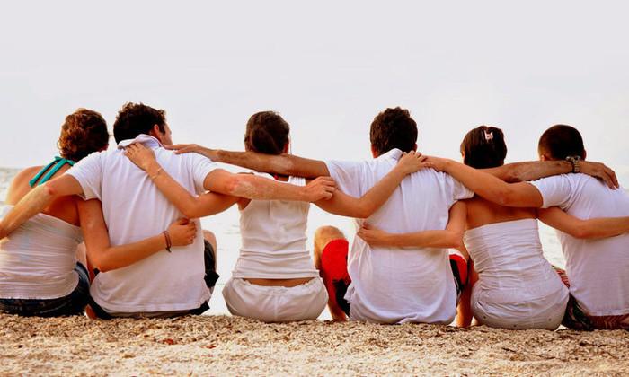 Друзья важнее семьи: с возрастом приоритеты меняются