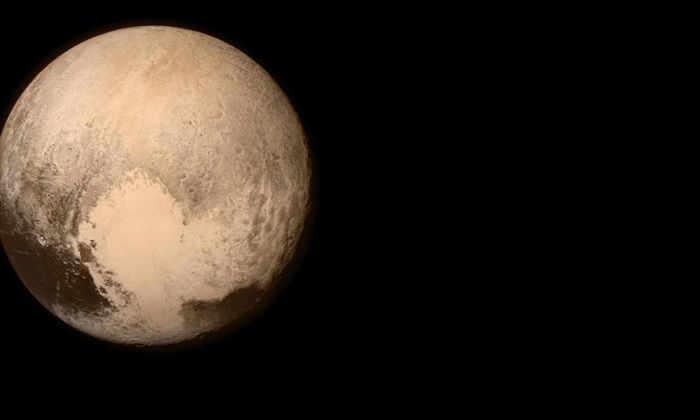 Ученые поняли причину огромных запасов азотного льда на Плутоне