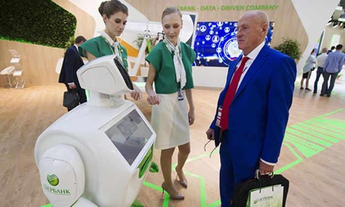 Сбербанк заменит 3 тысячи сотрудников роботами