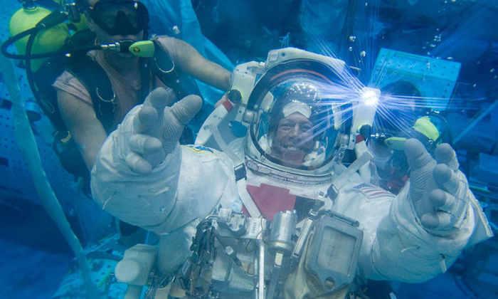 Тренировку астронавтов НАСА можно посетить в виртуальной реальности