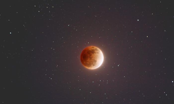 NASA покажет очень редкое лунное затмение в прямом эфире