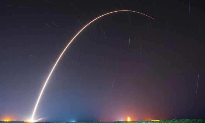 SpaceX во второй раз успешно приводнила первую ступень