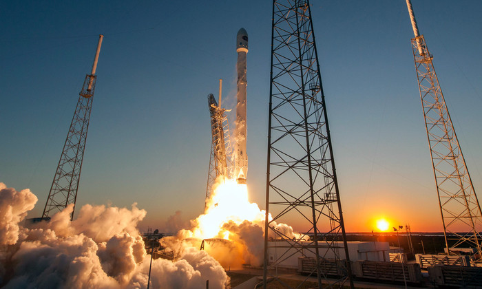 Запуск Falcon 9 со спутником EchoStar 23