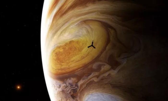 Астрономы NASA получили новые данные о знаменитом красном пятне Юпитера