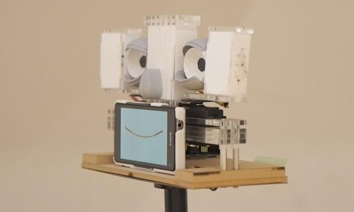 Мона Лиза будущего: робот, который провожает вас взглядом