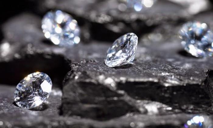 Физики превратили графен в «растягивающиеся алмазы»