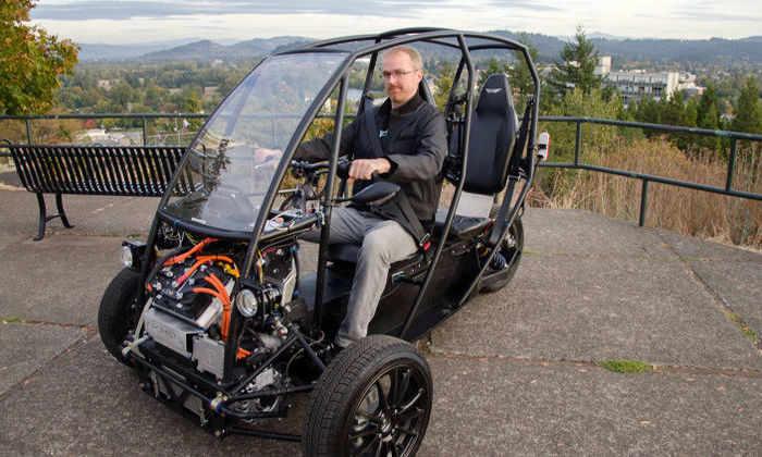 Arcimoto создаст сверхлегкий и экономичный миниэлектрокар на аккумуляторе Tesla