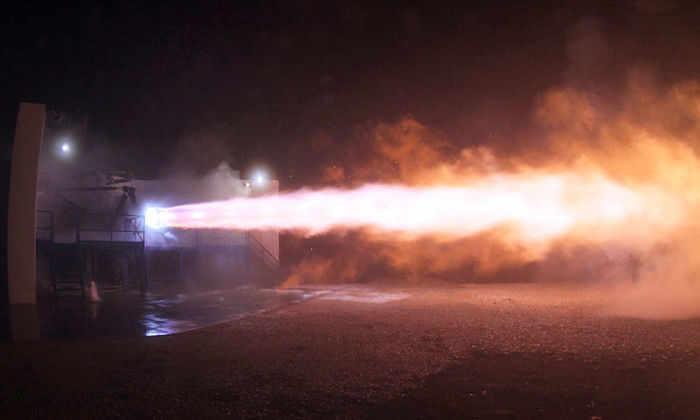 SpaceX испытала двигатель корабля, который полетит на Марс