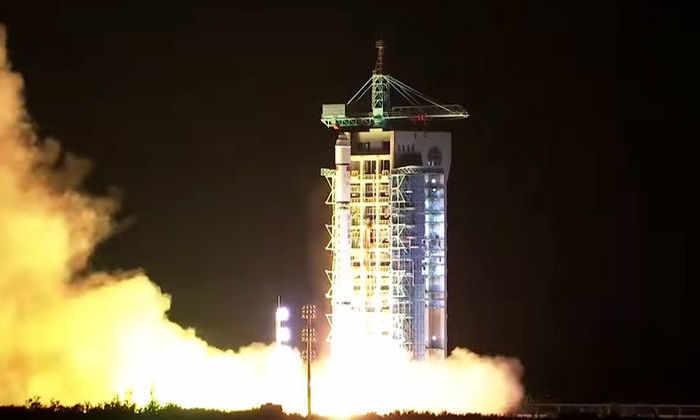 Китай получил первые данные с квантового спутника