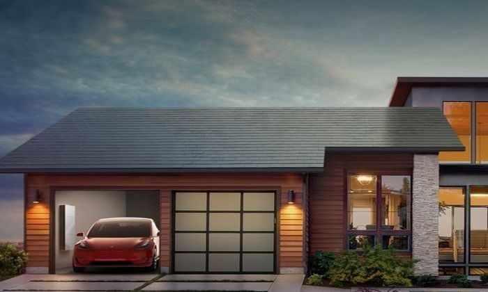 Илон Маск представил солнечную батарею в виде крыши