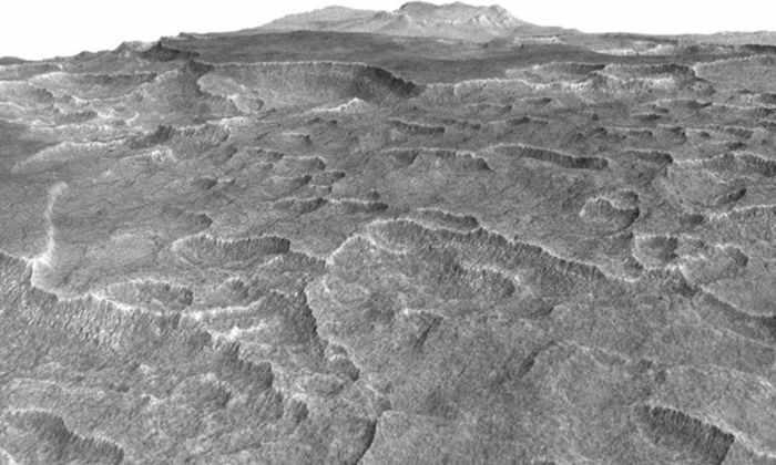 Под поверхностью Марса нашли огромное ледяное озеро