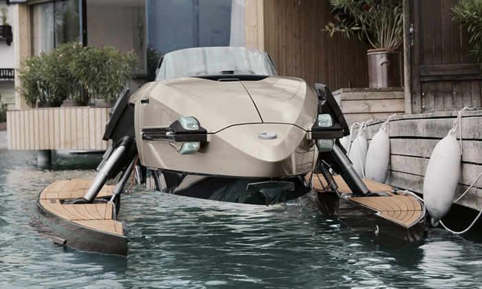Kormoran представил в Марокко первую в мире лодку-трансформер