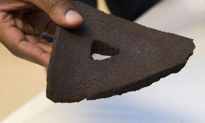 Из лунной пыли напечатали кирпичи на 3D-принтере